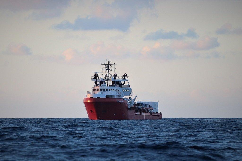 """سفينة أوشن فايكنغ. الصورة عن حساب """"أطباء بلا حدود"""" على تويتر"""