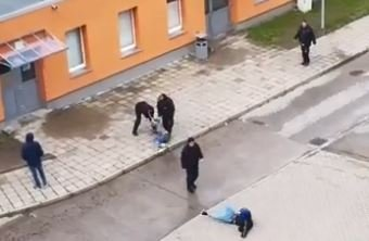 Screenshot from video showing the assault on asylum seekers in Halberstadt | Source: YouTube