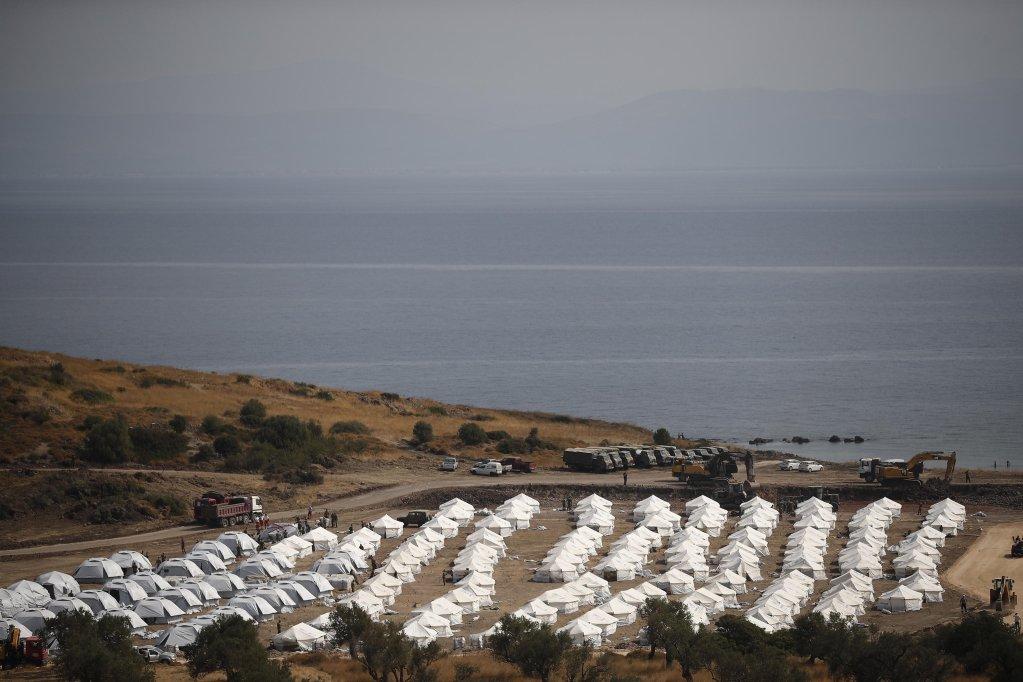 ANSA / المخيم المؤقت الجديد في كاتاتيبي بالقرب من مدينة ميتيليني في اليونان. المصدر: إي بي إيه / ديمتريس توسيديس.