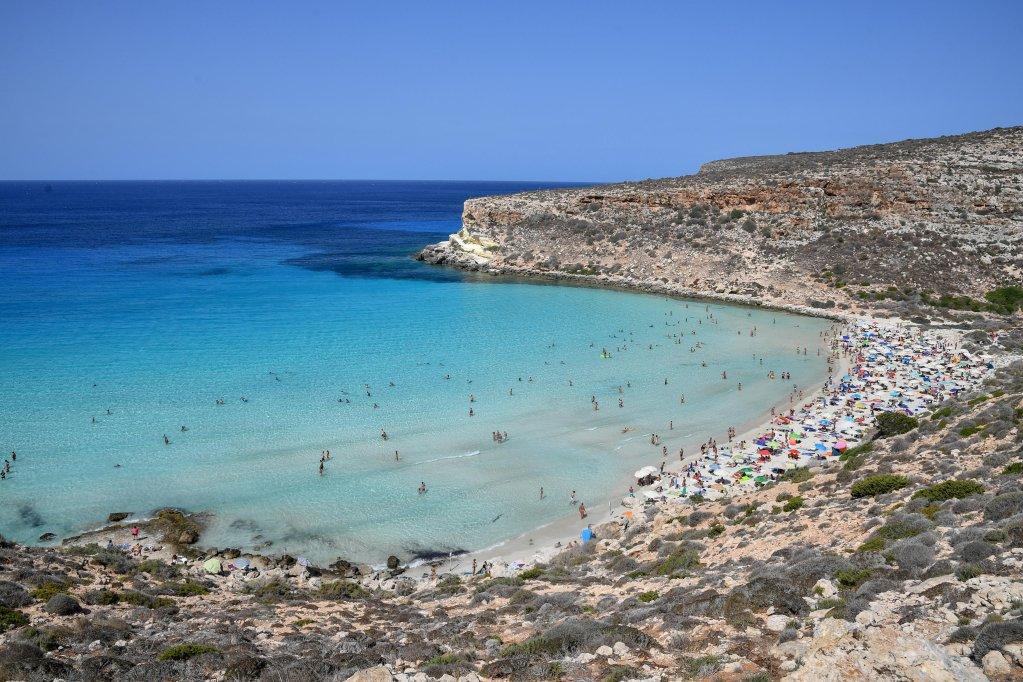 Tourists on Conigli beach on Lampedusa, 5 August 2020 | Photo: ANSA/ALESSANDRO DI MEO