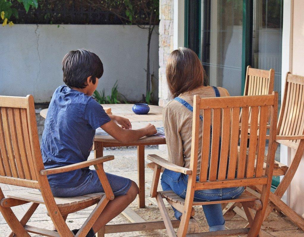 يجد الأطفال المهاجرون غير المصحوبين بذويهم الراحة والاستقرار في دور الحضانة | مصدر الصورة : METAdrasi