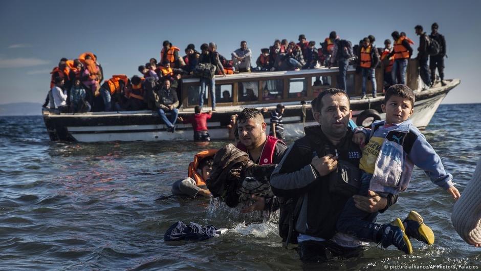 شماری از سازمان های حقوق بشری، نامه سرگشاده را برای حمایت از پناهجویان به انگلا مرکل، صدر اعظم آلمان فرستاده اند.