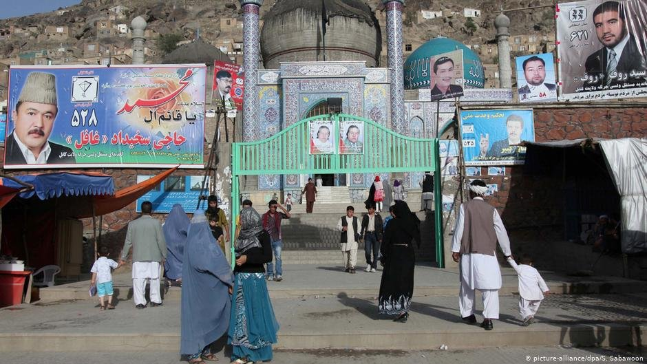 As Afghans head to the polls to vote for their president, more people than ever are contemplating to leave the country | Photo: picture-alliance/spa/S. Sabawoon