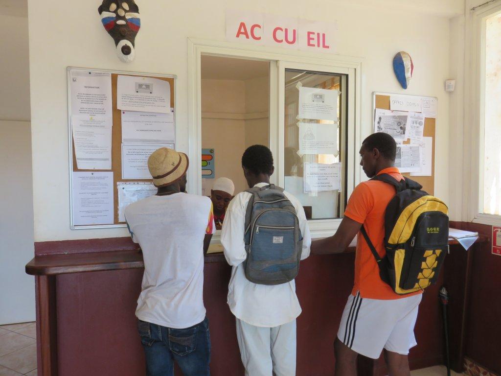 Dans les locaux de l'association Solidarité Mayotte qui vient en aide aux migrants arrivants sur l'île. Crédit : Valentine Patry
