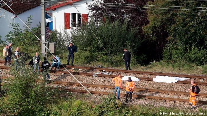 تم التعرف بشكل نهائي على ضحية واحدة فقط، هو شاب يبلغ من العمر 21 عامًا تلقى مؤخرًا أمر طرد من السلطات في إسبانيا وفقا للمدعي العام.