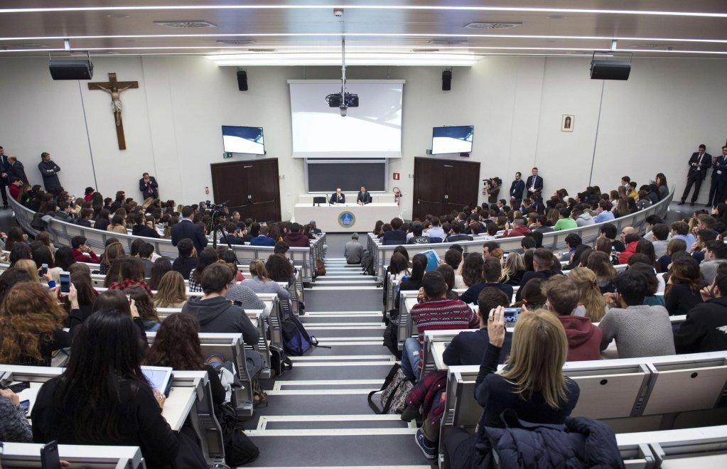 ansa / صورة أرشيفية لمحاضرة في جامعة كاتوليشيا في ميلانو
