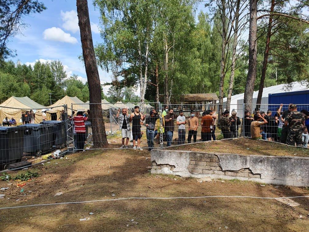 که څه هم د رودنینکای ډېری اوسېدونکيعراقیان دي، خو تر شلو ډېر افغانان هم دغه کمپ کې اوسېږي. انځور: کډوال نیوز