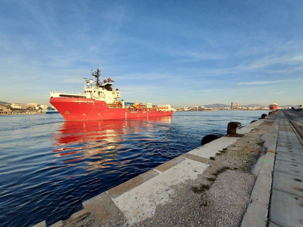 کشتی «اوشین وایکینگ» متعلق به سازمان «اس او اس مدیترانه» است./عکس: Twitter / @SOSMedFrance