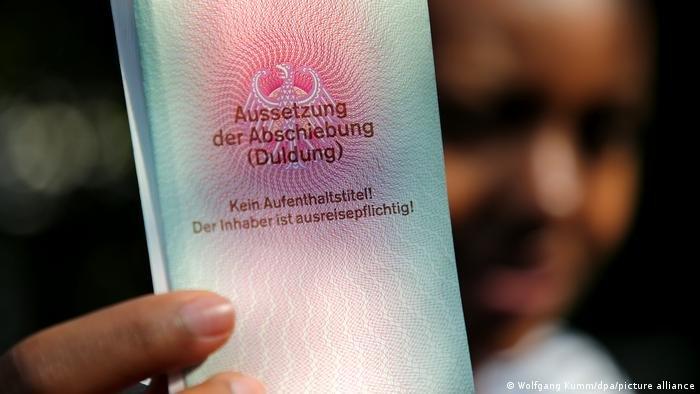 بیشتر از همه افغان هایی که تقاضای پناهندگی شان رد شده است، به آموزش مسلکی پرداخته اند تا از این طریق یک اقامت مطمئن در آلمان را برای خود تضمین کنند