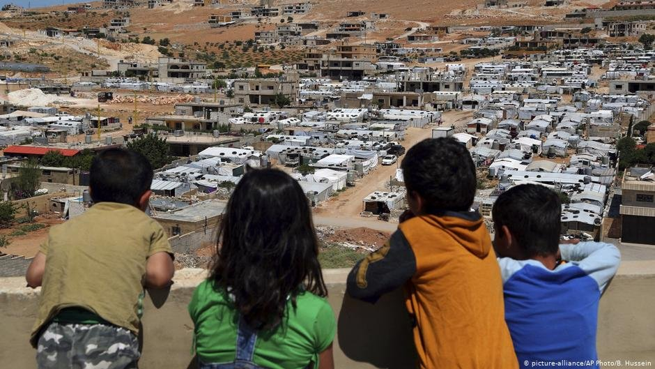Aid agencies warn that if demolitions continue, half of those affected could be children | Photo: Picture-alliance/AP Photo/B. Hussein