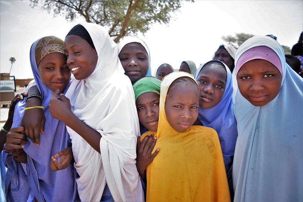 A group of schoolgirls in Zinder, Niger | Photo: IOM/Monica Chiriac