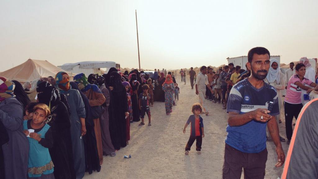 صورة من الأرشيف لنازحين في العراق