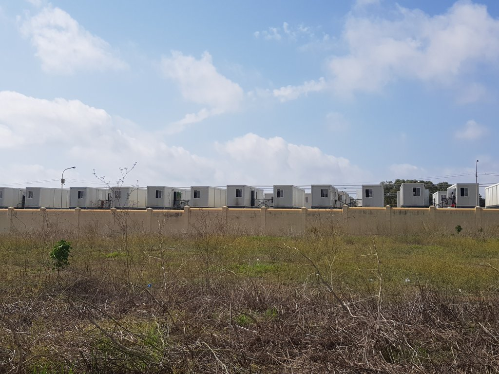 A picture of the temporary containers and tents at the Hal Far camp for migrants on Malta | Photo: Anne-Diandra Louarn / InfoMigrants