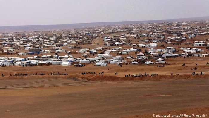 ملايين السوريين يعيشون في دول الجوار في ظروف معيشية سيئة، كما تقول المنظمات الدولية