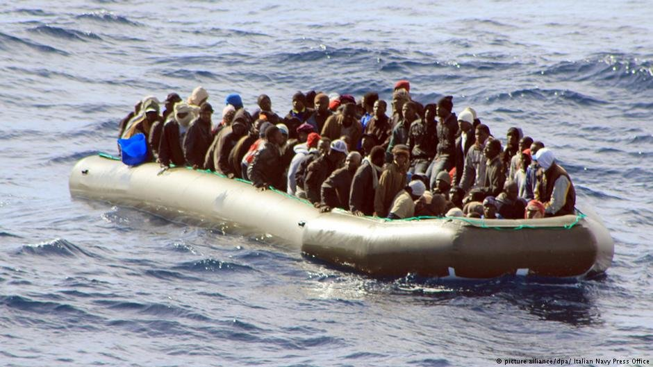 From archive: African migrants near Lampedusa, Italy. February 2014. | Photo: Picture Alliance / dpa/ Italian Navy Press
