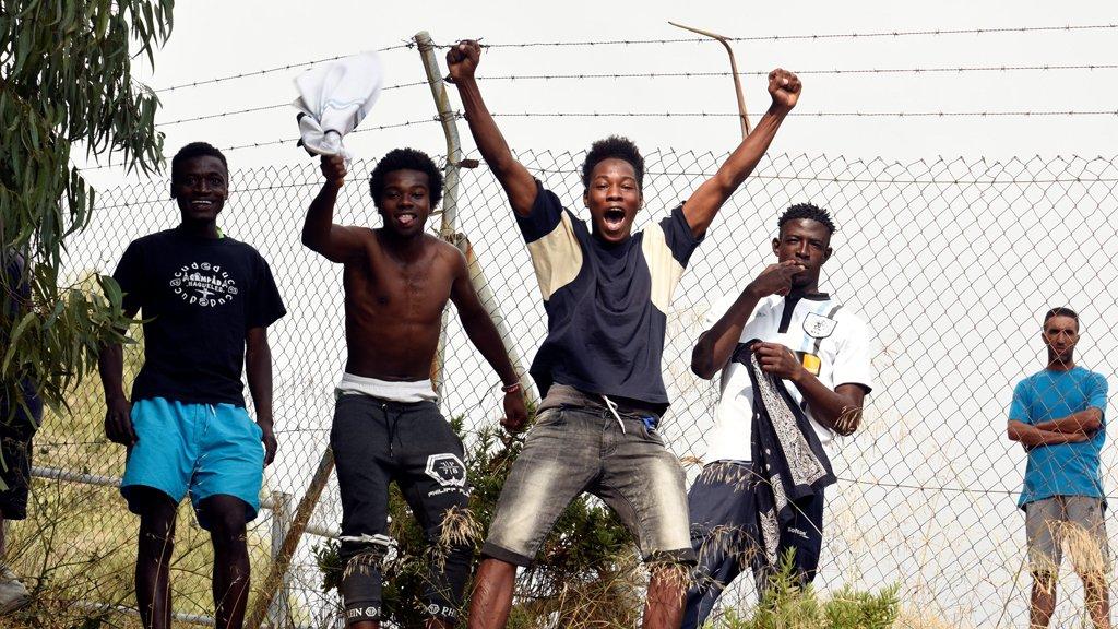 مهاجرون أفارقة وصلوا إلى جيب سبتة. أرشيف