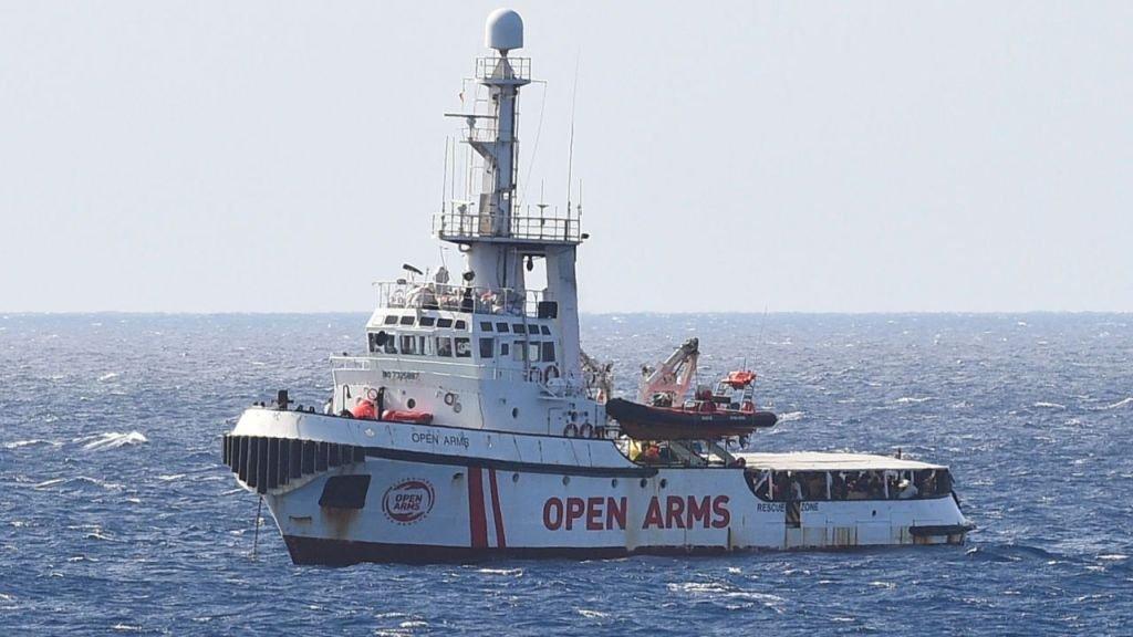 اوپن ارمز د لمپدوسا په لور Crédit : Reuters