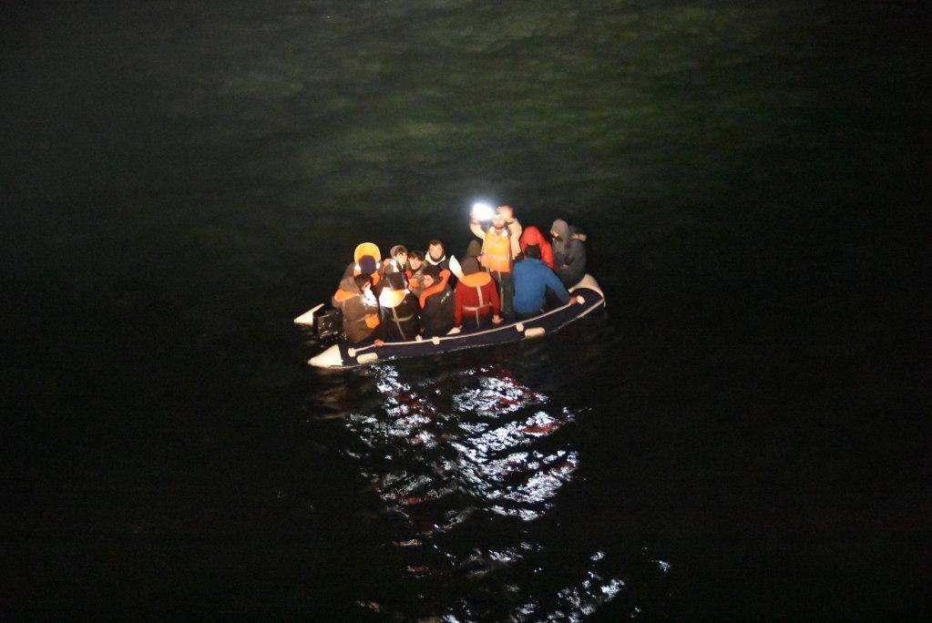 یک قایق مهاجران در کانال مانش، اپریل ۲۰۲۰. عکس از پولیس مانش و دریای شمال فرانسه