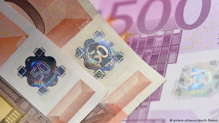 پارلمان اتریش با تصویب یک قانون در نظر دارد که کمک اجتماعی برای خارجیان را کاهش بدهد.