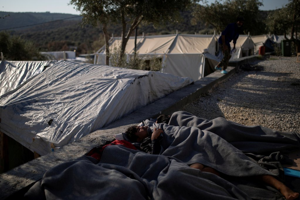 د یونان په ټاپوګان کي د کډوالو ژوند خورا سخت کي ديکرېډېټ: رویترز