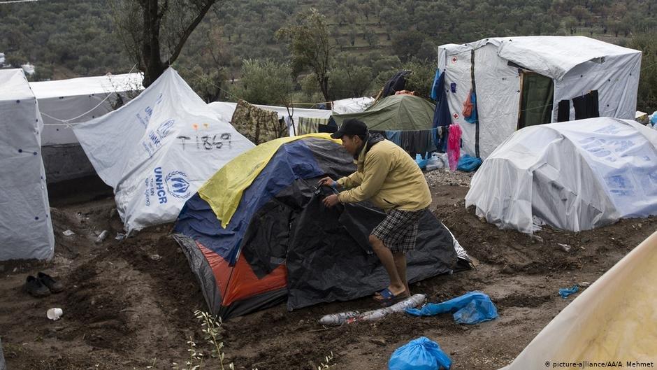 شمار مهاجران در کمپ موریا که در جزیره لیسبوس قرار دارد، شش برابر گنجایش آن است./عکس: picture-alliance/AA/A. Mehmet