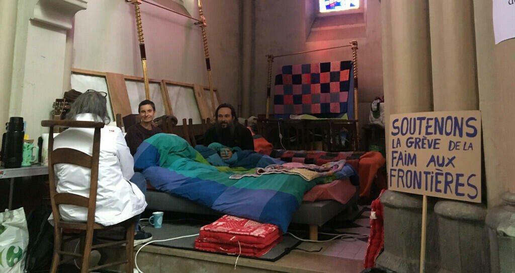 © RFI/Marie Casadebaig  Deux militants associatifs et un prêtre ont cessé de s'alimenter depuis 17 jours pour dénoncer les conditions de vie des exilés à Calais.