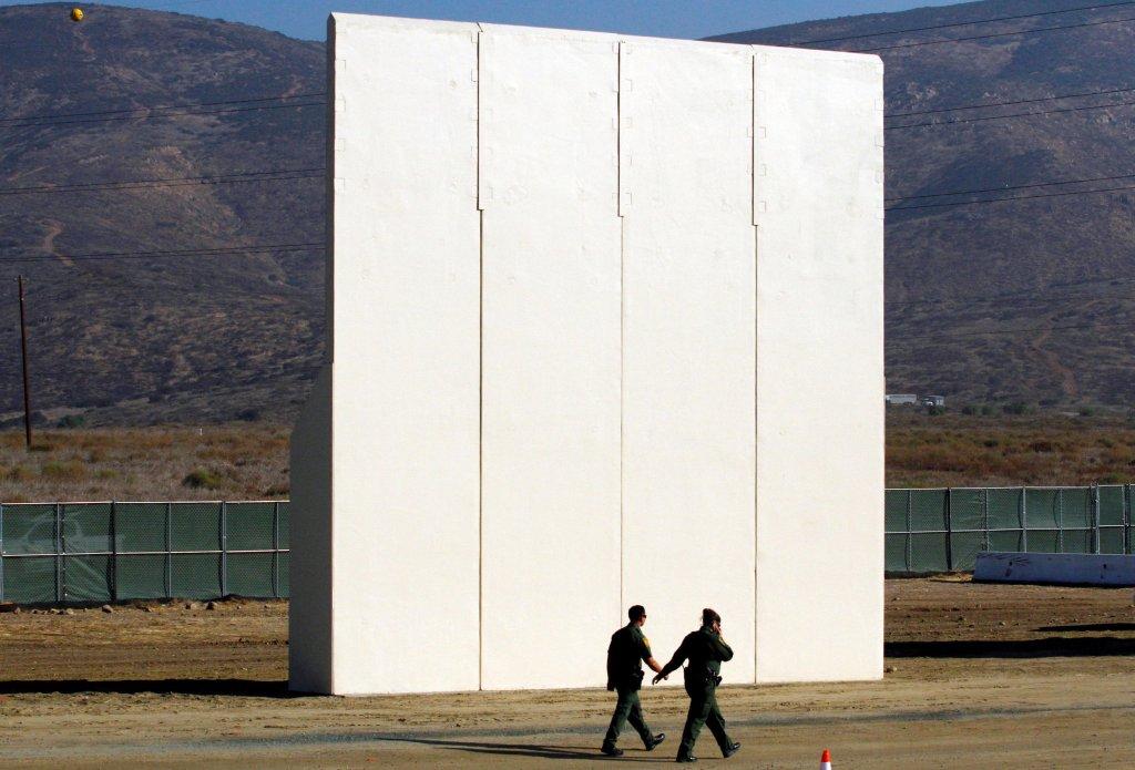 REUTERS/Jorge Duenes |Un prototype du mur anti-migrants à Tijuana, à la frontière entre les États-Unis et le Mexique. (Photo d'illustration)