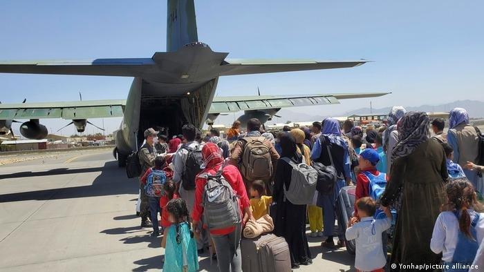 روند تخلیه افغان ها توسط کشور های غربی