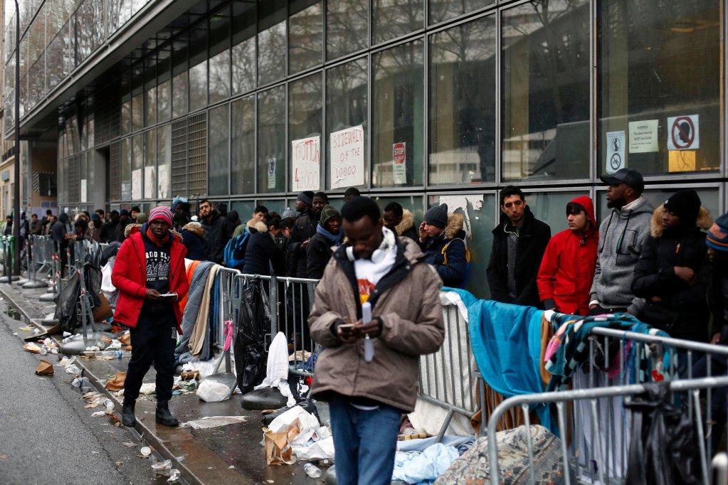 En 2020, le nombre de demandes d'asile en France a chuté de 41% par rapport à l'année précédente (illustration). Crédit : AP
