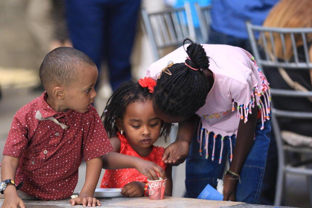 ANSA / أطفال صوماليون وسودانيون يحتفلون خلال فعالية أقيمت في العاصمة السورية دمشق بمناسبة اليوم العالمي للاجئين. المصدر: إي بي أيه/ يوسف بدوي.