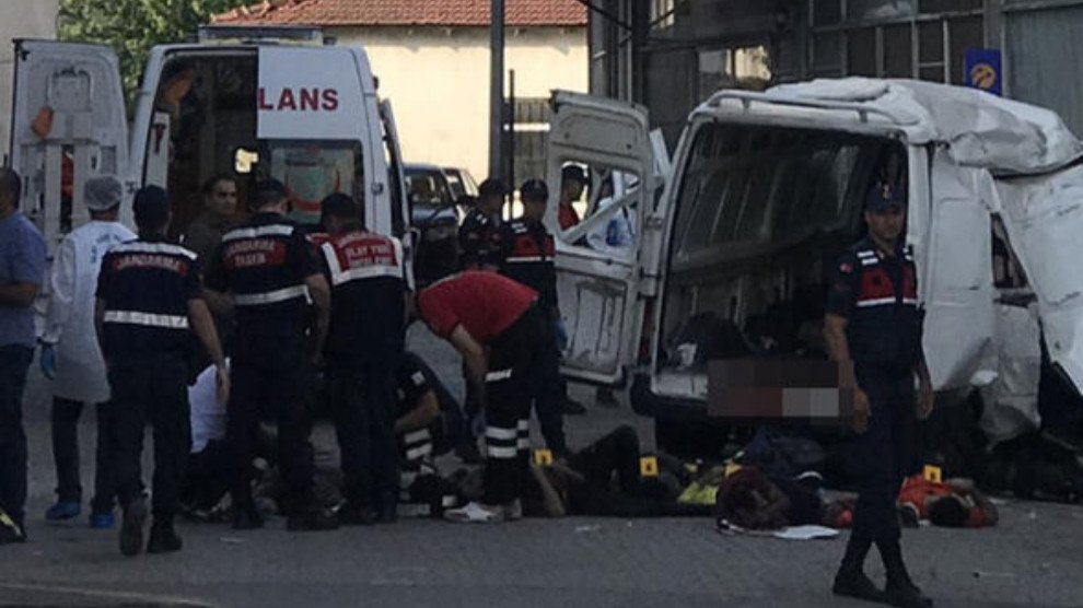 Ambulance workers attend the crash, which killed at least 10 people | Source: Screenshot ANF newsagency