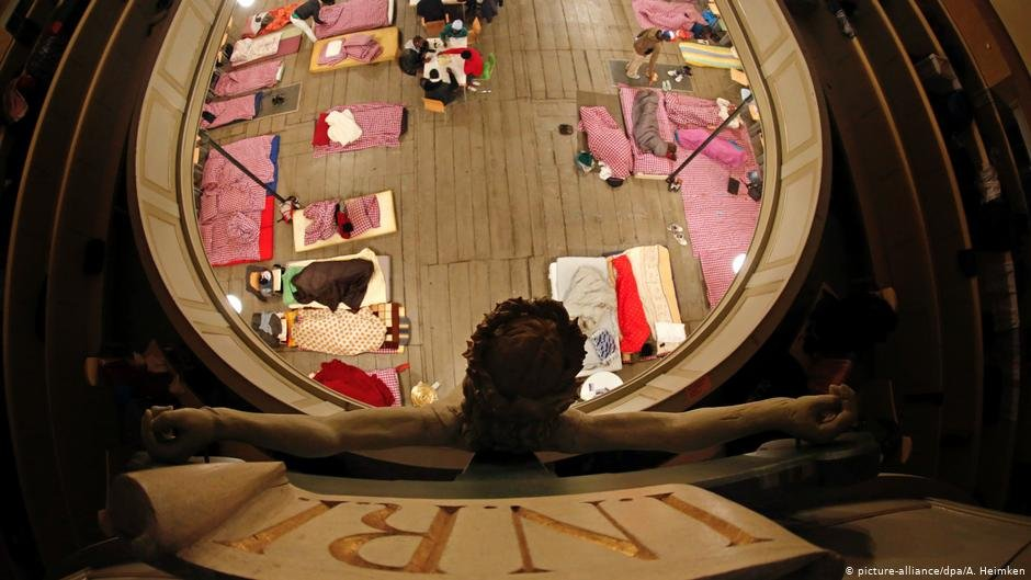 Sanctuary for asylum seekers in the St. Pauli church in Hamburg, Germany, 2013 | Photo: picture alliance/A. Heimken