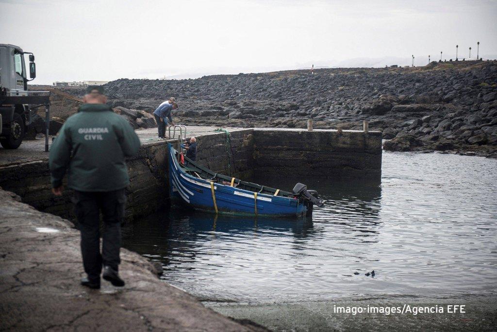 Une embarcation de migrants à Lanzarote, dans les Iles Canaries, le 25 octobre 2018 / Photo: Imago