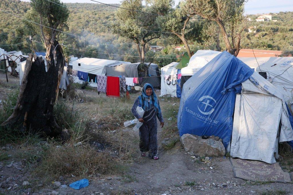 أرشيف / مخيم اللاجئين في موريا بجزيرة ليسبوس اليونانية. إي بي أيه