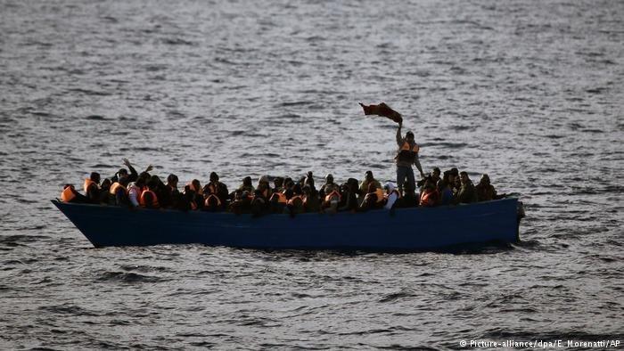 لاجئون في المتوسط