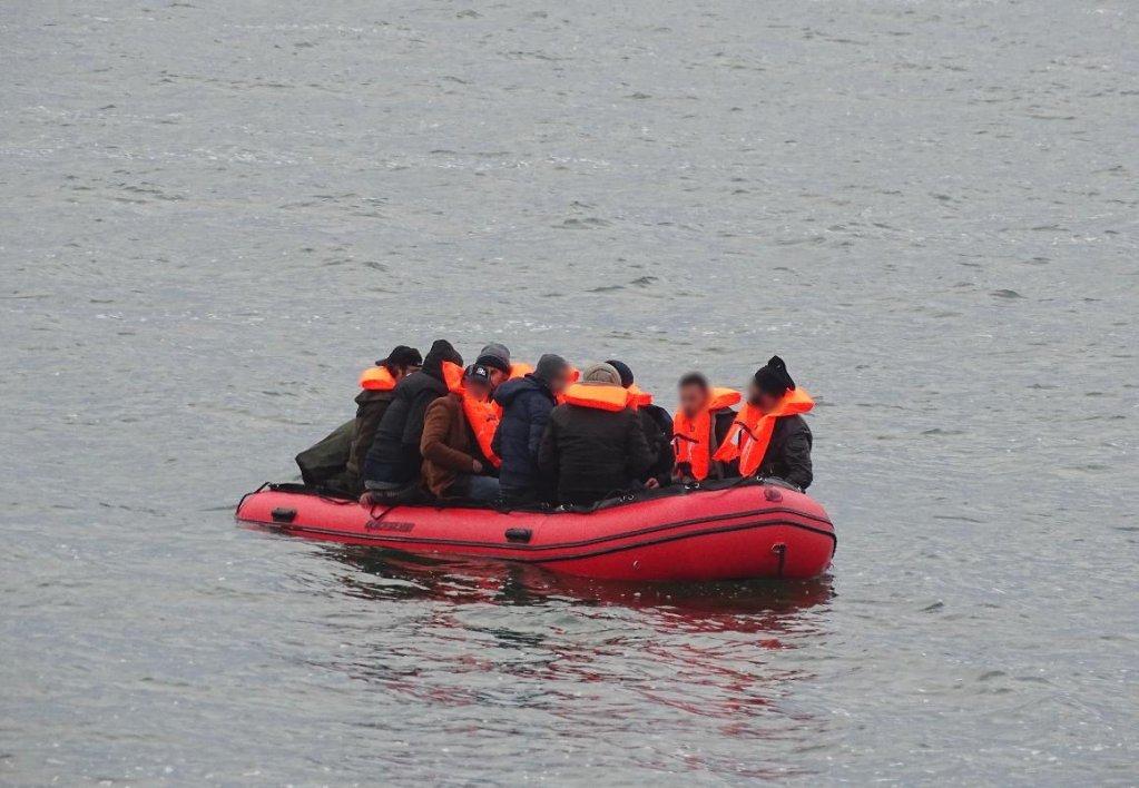 صورة توضيحية، إنقاذ مهاجرين يواجهون صعوبة في دنكيرك، 3 أيار/مايو. المصدر: جمعية SNSM كاليه.