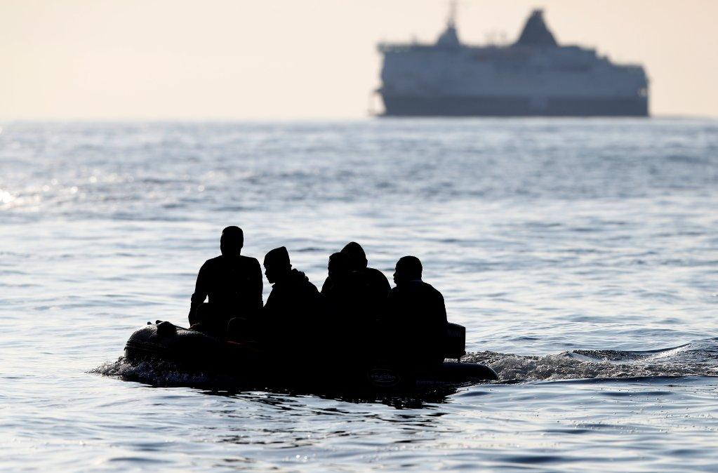 مهاجرون في المانش. رويترز / أرشيف