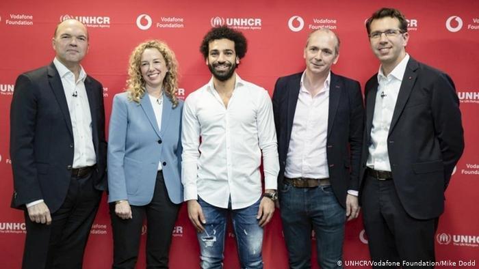 "UNHCR/Vodafone Foundation/Mike Dodd |محمد صلاح سفيراً للبرنامج الذي أطلق بالتعاون بين شركة ""فودافون"" للاتصالات والمفوضية السامية للأمم المتحدة لشؤون اللاجئين"