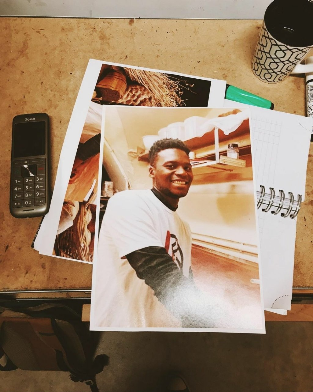 Laye Fodé Traoréiné, apprenti boulanger guinéen à Besançon jusque-là menacé d'expulsion, a été régularisé. Crédit : Stéphane Ravacley/Instagram