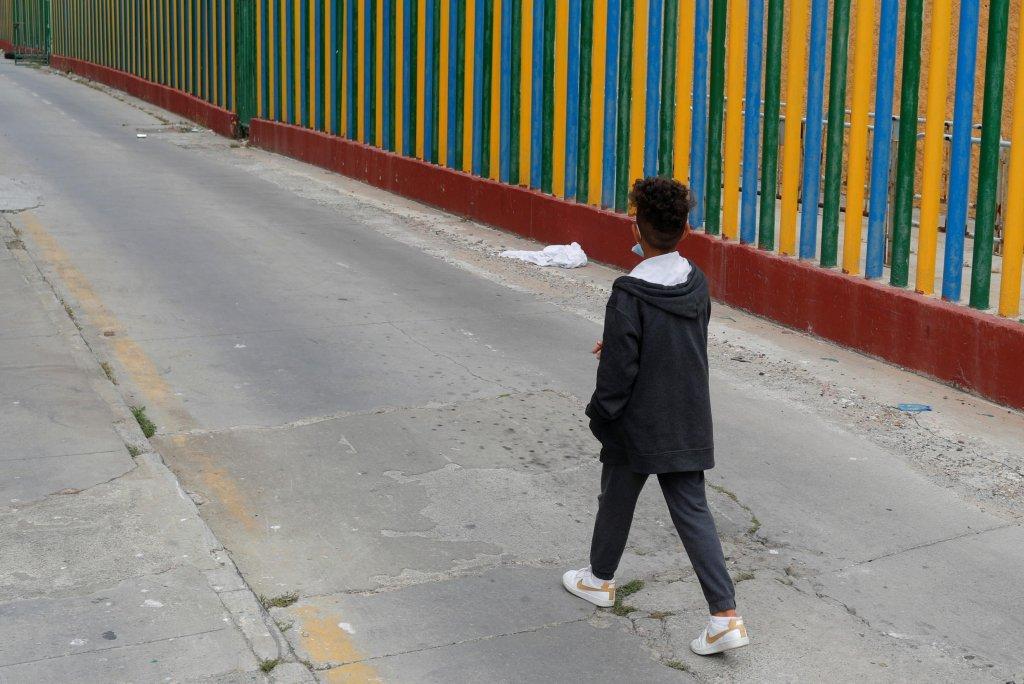Un jeune migrant dans l'enclave espagnole de Ceuta (archives). Crédit : Reuters
