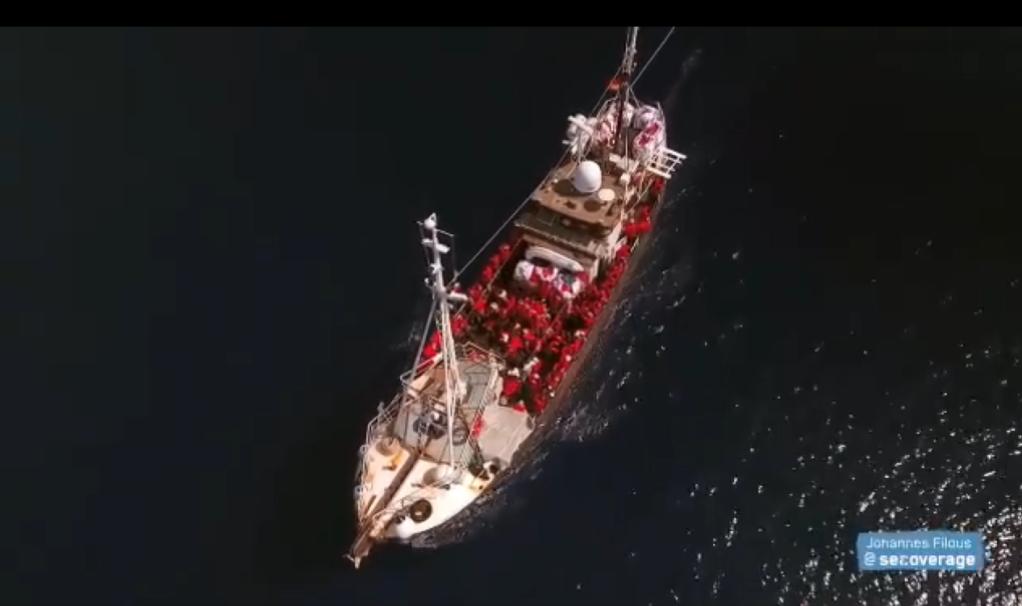 سفينة إليونور في المتوسط. الصورة من الحساب الرسمي للسفينة على تويتر @Seegezwitscher