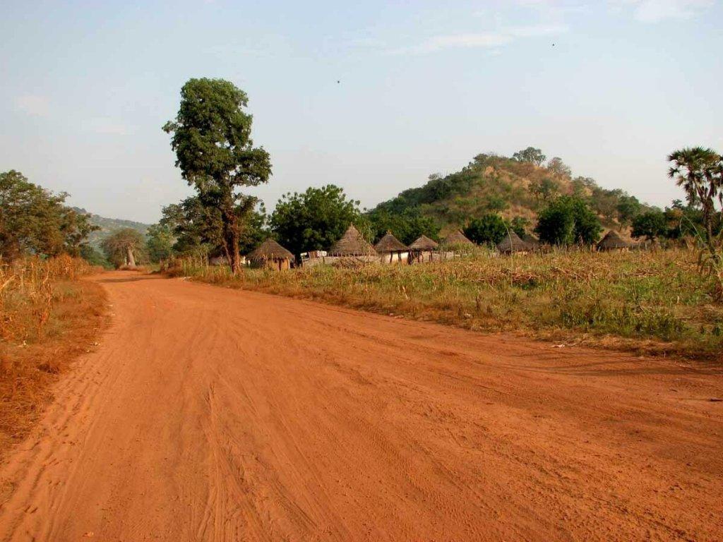 Une route dans la région de Kayes,à l'ouest de Bamako au Mali (Image d'illustration). Crédit : Creative Commons