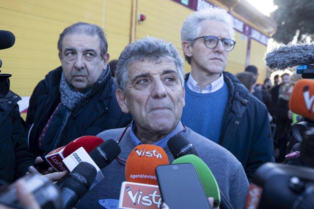 الطبيب الإيطالي بيترو بارتولو عضو البرلمان الأوروبي حاليا. المصدر: أنسا