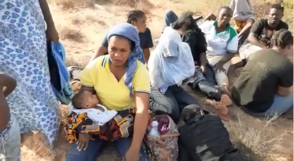 Une trentaine de migrants est bloquée à la frontière entre la Libye et la Tunisie. Crédit : FTDES