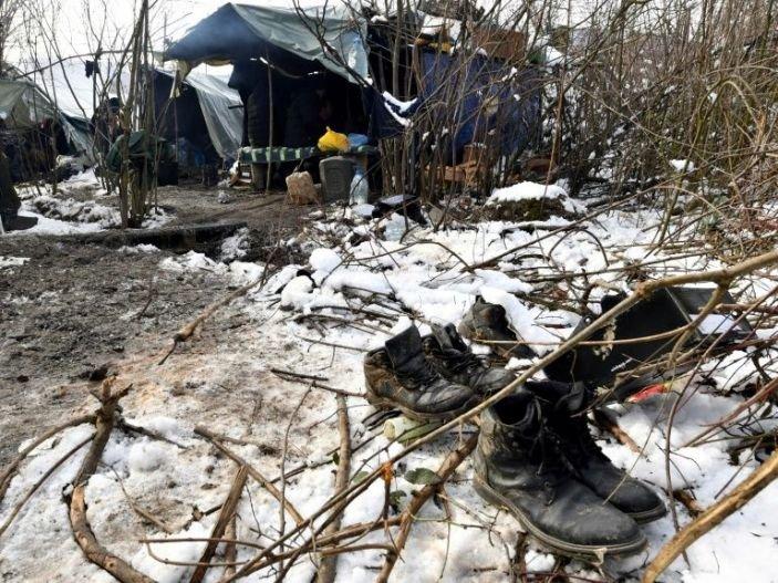 کډوال هڅه کوي چې د بوسنیا له پولې کروشیا ته واوړي. انځور: فرانس پرس خبري آژانس