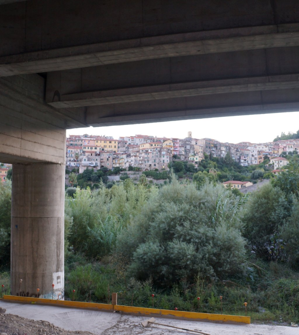 View on a part of Ventimiglia from a bridge over the Roya river. Credit: InfoMigrants
