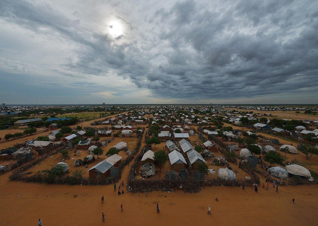 Vue du secteur est du camp de réfugiés somaliens de Dadaab, au nord de Nairobi, la capitale kényane, le 28 avril 2015. Crédit : AFP