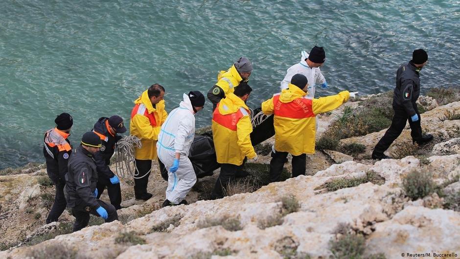 کشف جسد یک مهاجر در سواحل ایتالیا (عکس آرشیف)