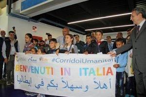 لافتةترحب باللاجئينفي مطار روما / ANSA
