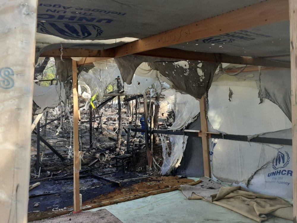 Un incendie s'est déclaré lundi 14 octobre dans le camp de Vathy, à Samos. Crédit : MSF